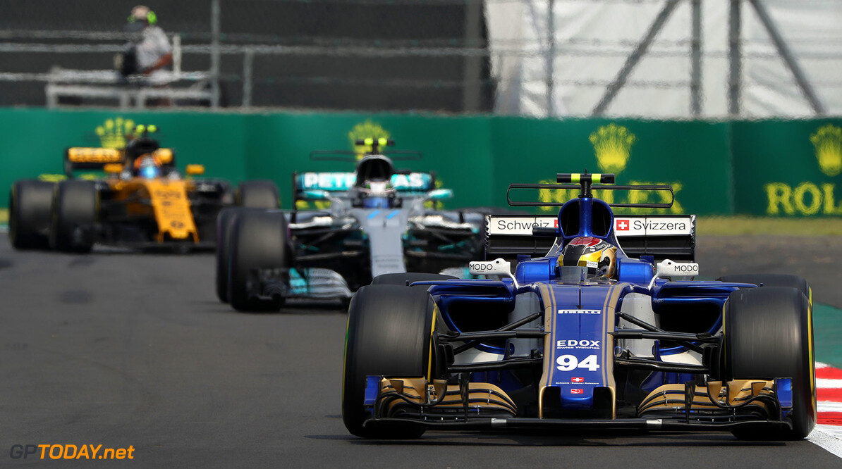 Mexican GP Race 29/10/17 Pascal Wehrlein (D), Sauber F1 Team  Autodromo Hermanos Rodriguez.  Mexican GP Race 29/10/17 Jad Sherif Mexico City Mexico  F1 Formula 1 One 2017 Action Wehrlein Sauber