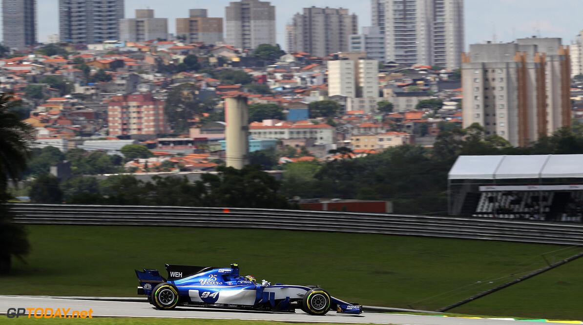 Brazilian GP Friday 10/11/17 Pascal Wehrlein (D), Sauber F1 Team.  Autodromo Jose Carlos Pace.  Brazilian GP Friday 10/11/17 Jad Sherif Interlagos, Sao Paulo Brazil  F1 Formula 1 One 2017 Action Wehrlein Sauber