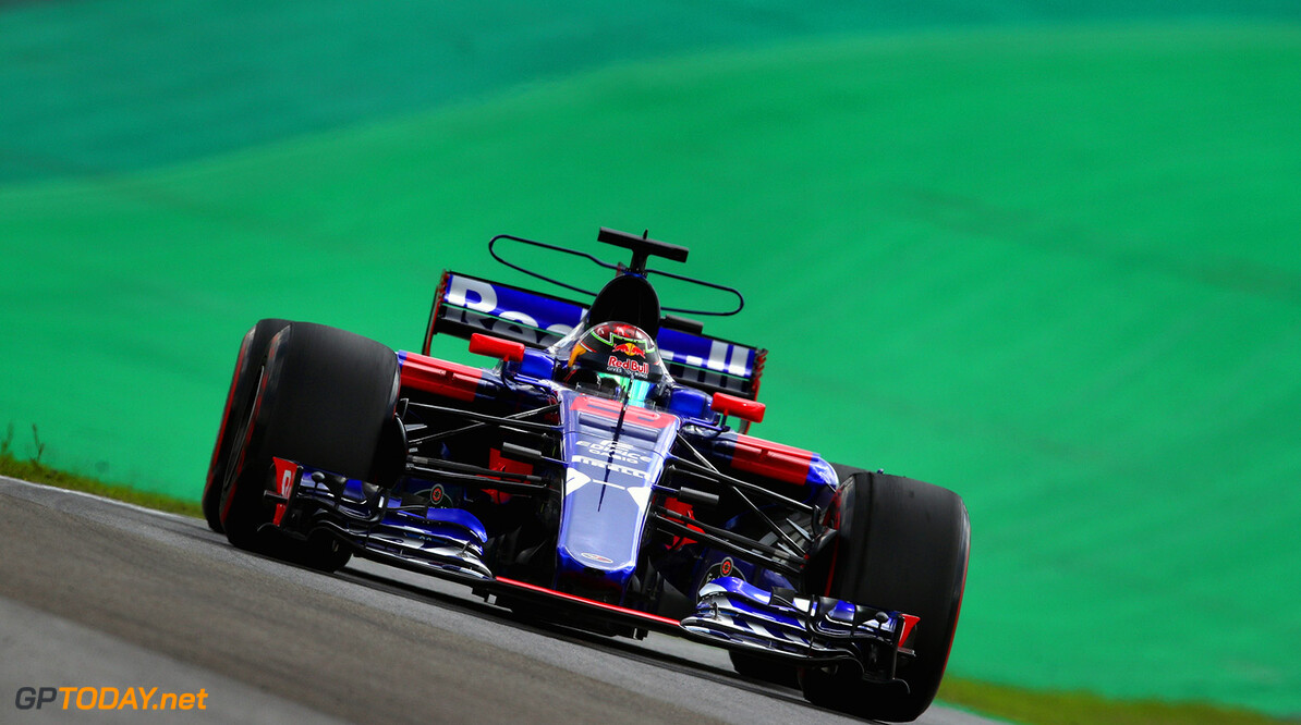 Hartley pushing for points despite low grid position