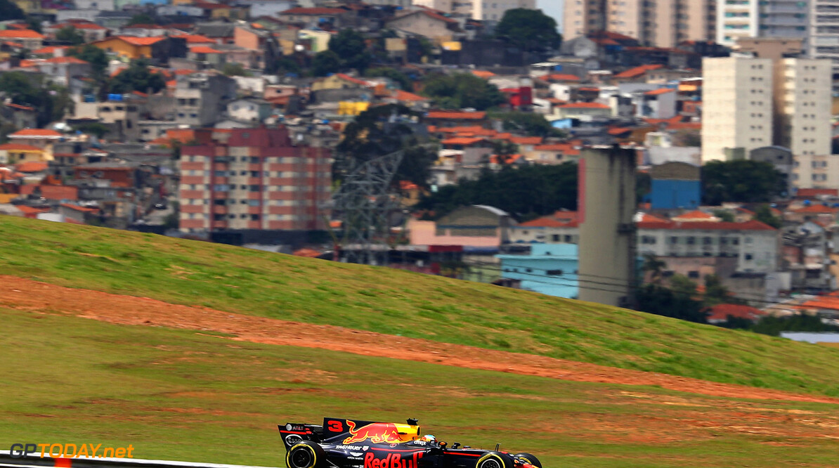SAO PAULO, BRAZIL - NOVEMBER 10: Daniel Ricciardo of Australia driving the (3) Red Bull Racing Red Bull-TAG Heuer RB13 TAG Heuer on track during practice for the Formula One Grand Prix of Brazil at Autodromo Jose Carlos Pace on November 10, 2017 in Sao Paulo, Brazil.  (Photo by Mark Thompson/Getty Images) // Getty Images / Red Bull Content Pool  // P-20171110-01704 // Usage for editorial use only // Please go to www.redbullcontentpool.com for further information. //  F1 Grand Prix of Brazil - Practice Mark Thompson Sao Paulo Brazil  P-20171110-01704