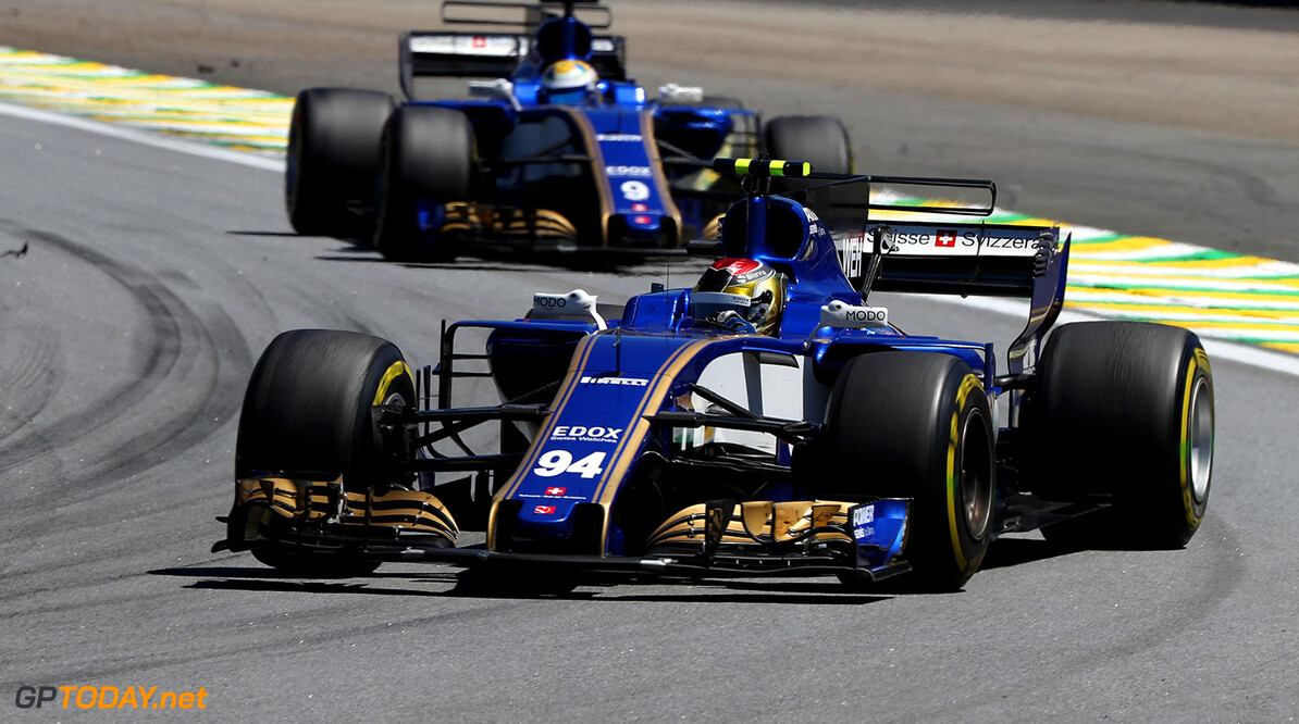 Brazilian GP Race 12/11/17 Pascal Wehrlein (D), Sauber F1 Team. Autodromo Jose Carlos Pace.  Brazilian GP Race 12/11/17 Jad Sherif Interlagos, Sao Paulo Brazil  F1 Formula 1 One 2017 Action Wehrlein Sauber