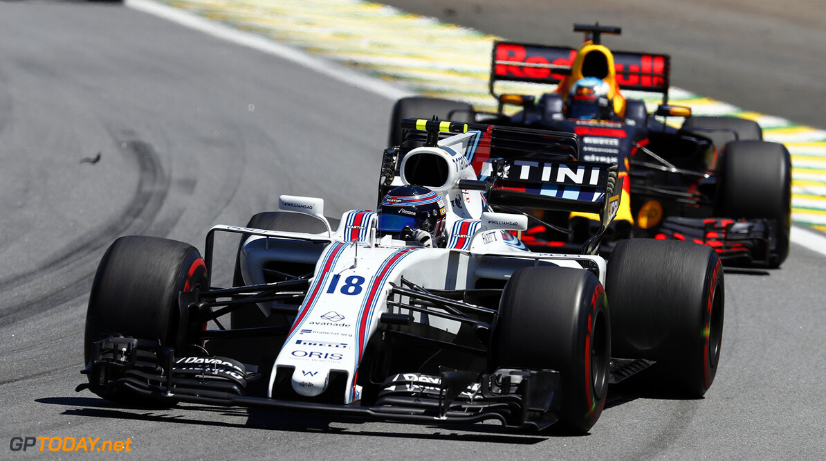 Interlagos, Sao Paulo, Brazil. Sunday 12 November 2017. Lance Stroll, Williams FW40 Mercedes, leads Daniel Ricciardo, Red Bull Racing RB13 TAG Heuer. Photo: Glenn Dunbar/Williams ref: Digital Image _X4I3351  Glenn Dunbar    f1 formula 1 formula one gp Action