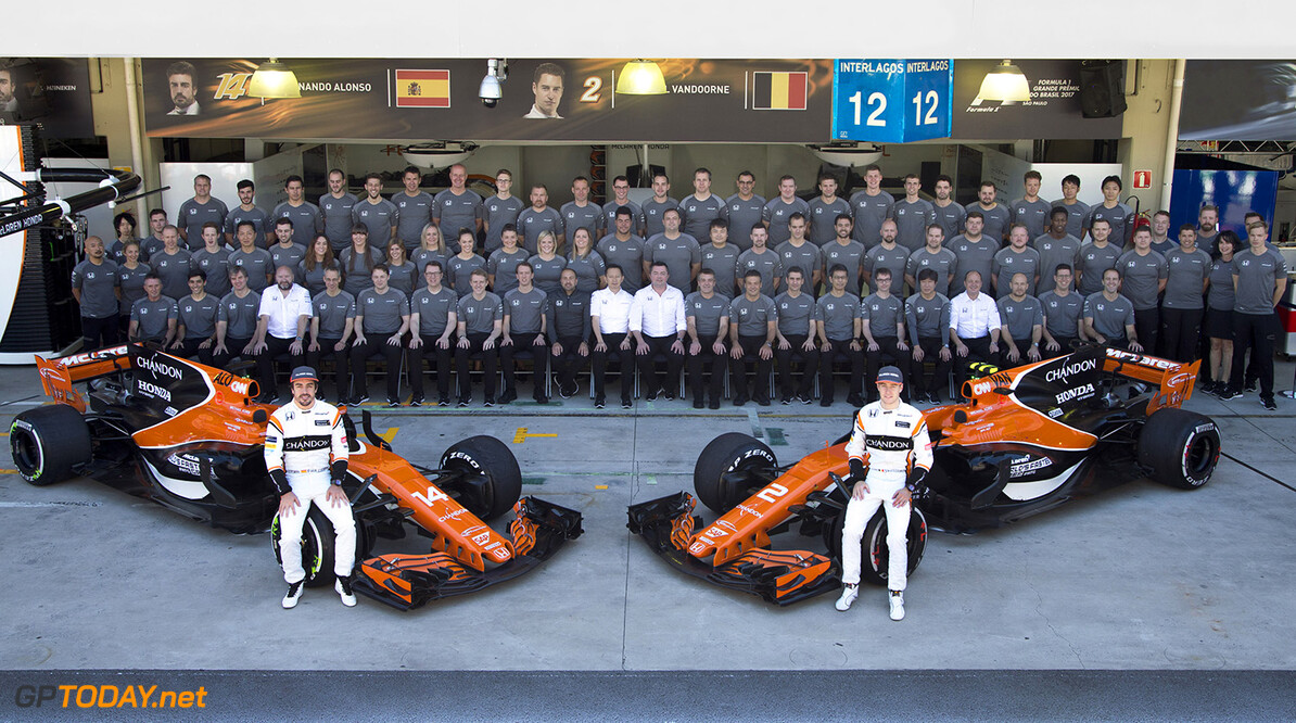 Interlagos, Sao Paulo, Brazil. Sunday 12 November 2017. The 2017 McLaren F1 team. Photo: Andrew Hone/McLaren ref: Digital Image _ONZ5418      f1 formula 1 formula one gp grand prix Portrait