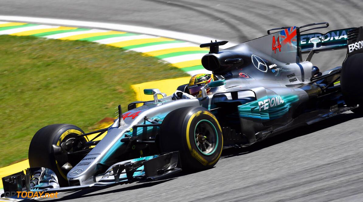 """Lewis Hamilton: """"Ik wil Max Verstappen graag als teamgenoot"""""""