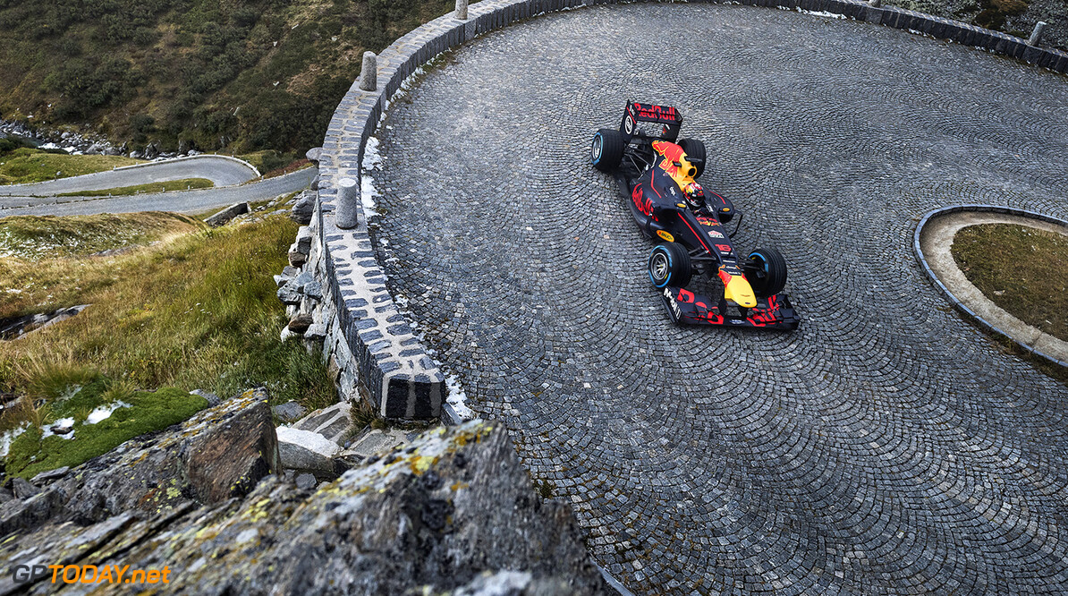 Sebastien Buemi performs during The Pass at the Tremola in Airolo, Switzerland on September 20, 2017. // Jarno Schurgers/Red Bull Content Pool // P-20171004-00603 // Usage for editorial use only // Please go to www.redbullcontentpool.com for further information. //  S?bastien Buemi  Jarno Schurgers Airolo Switzerland  P-20171004-00603