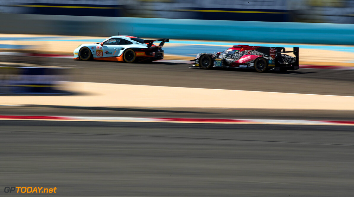 MLX23011.jpg #86 GULF RACING / GBR / Porsche 911 RSR (991) - WEC 6 Hours of Bahrain - Bahrain International Circuit - Sakhir - Bahrain  #86 GULF RACING / GBR / Porsche 911 RSR (991) - WEC 6 Hours of Bahrain - Bahrain International Circuit - Sakhir - Bahrain  Marcel Langer Sakhir Bahrain  Adrenal Media WEC 6 Hours of Bahrain - Bahrain International Circuit - Sakhir