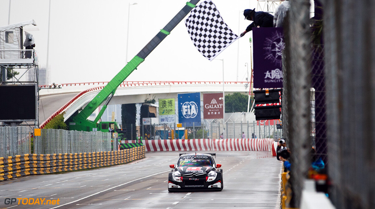 12 HUFF Robert (GBR), All-Inklcom Munnich Motorsport, Citroen C-Elysee WTCC, Action chequered flag drapeau damier during the 2017 FIA WTCC World Touring Car Championship race at Guia International Circuit from november 17 to 19, Macau - Photo Antonin Vincent / DPPI AUTO - WTCC MACAU - 2017 Antonin Vincent    auto championnat du monde circuit course fia macao motorsport novembre tourisme wtcc