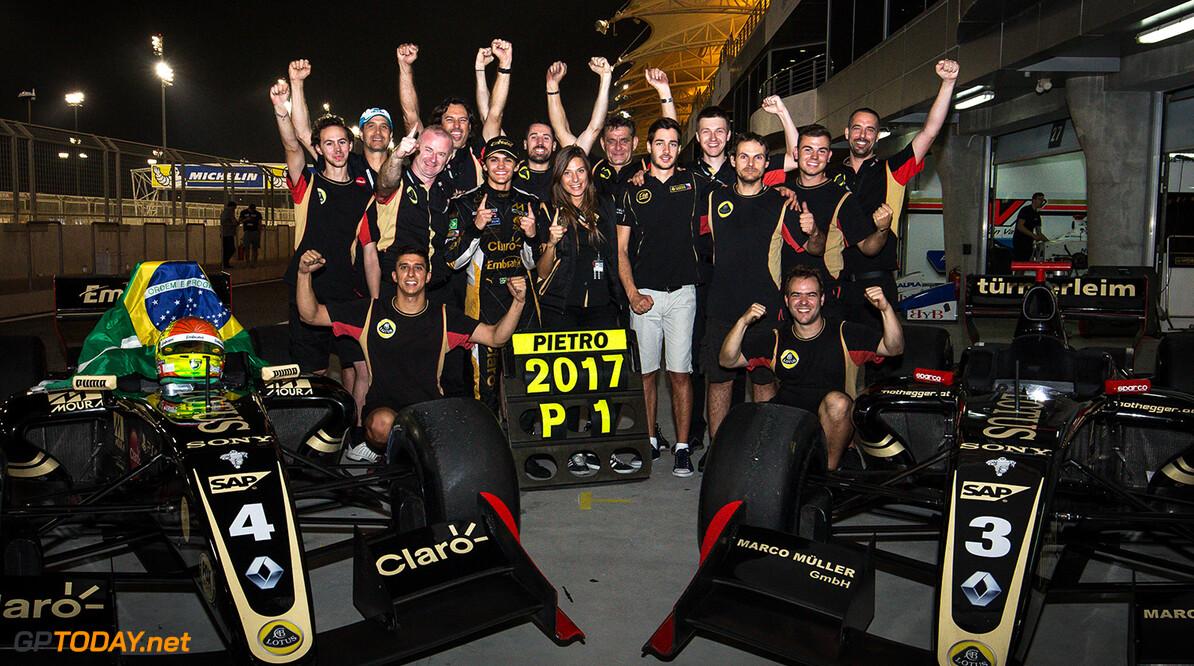 <strong>Foto's:</strong> Het Formule V8 3.5-seizoen 2017 in beeld