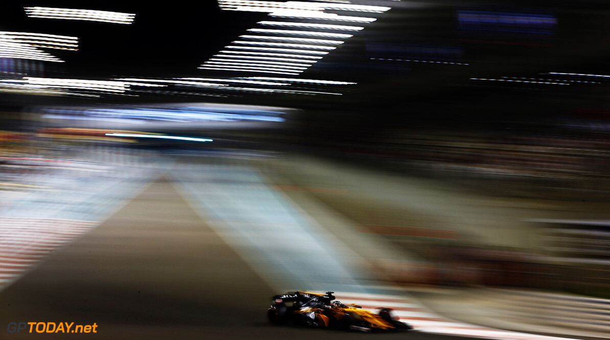 Yas Marina Circuit, Abu Dhabi, United Arab Emirates. Friday 24 November 2017. World Copyright: Andy Hone/LAT Images  ref: Digital Image _ONZ9071      f1 formula 1 formula one gp