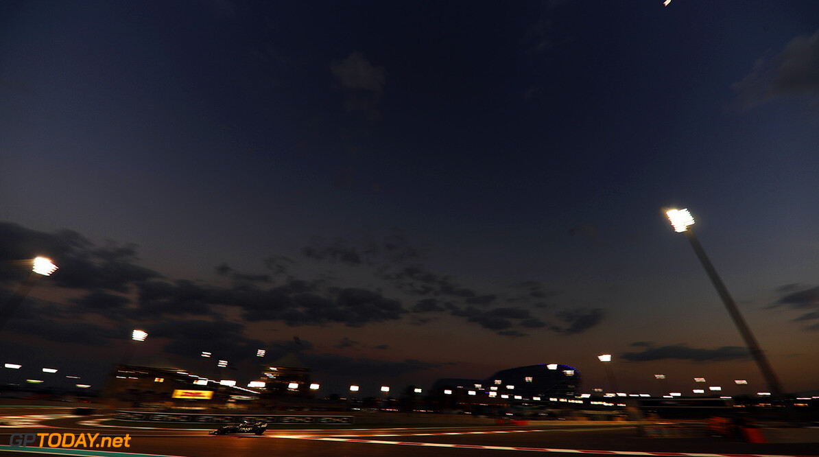 Yas Marina Circuit, Abu Dhabi, United Arab Emirates. Sunday 26 November 2017. World Copyright: Glenn Dunbar/LAT Images  ref: Digital Image _X4I9617  Glenn Dunbar    f1, formula 1, formula one, gp,  ts-live,,,,,,,