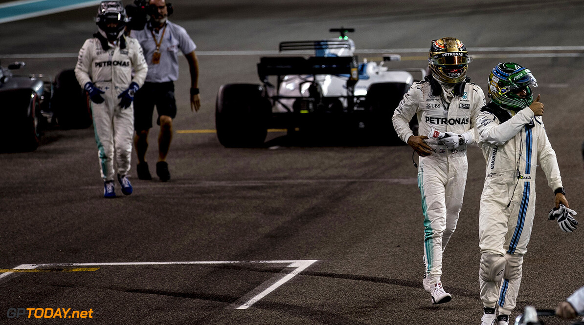 Yas Marina Circuit, Abu Dhabi, United Arab Emirates. Sunday 26 November 2017. Felipe Massa, Williams Martini Racing, walks away from his car after his final race in F1. Photo: Glenn Dunbar/Williams ref: Digital Image _31I9321  Glenn Dunbar    f1 formula 1 formula one gp Portrait Helmets Finish