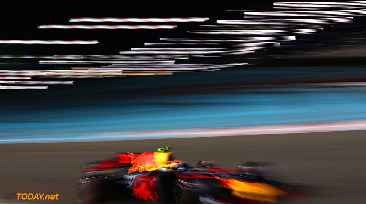 ABU DHABI, UNITED ARAB EMIRATES - NOVEMBER 26: Max Verstappen of the Netherlands driving the (33) Red Bull Racing Red Bull-TAG Heuer RB13 TAG Heuer on track during the Abu Dhabi Formula One Grand Prix at Yas Marina Circuit on November 26, 2017 in Abu Dhabi, United Arab Emirates.  (Photo by Mark Thompson/Getty Images) // Getty Images / Red Bull Content Pool  // P-20171126-00782 // Usage for editorial use only // Please go to www.redbullcontentpool.com for further information. //  F1 Grand Prix of Abu Dhabi Mark Thompson Abu Dhabi United Arab Emirates  P-20171126-00782