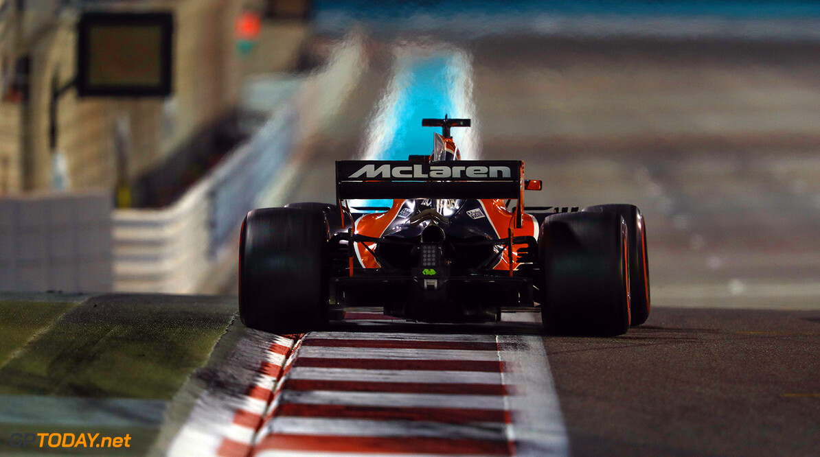 Yas Marina Circuit, Abu Dhabi, United Arab Emirates. Sunday 26 November 2017. Fernando Alonso, McLaren MCL32 Honda. Photo: Steven Tee/McLaren ref: Digital Image _31I8801  Glenn Dunbar    f1 formula 1 formula one gp grand prix Action