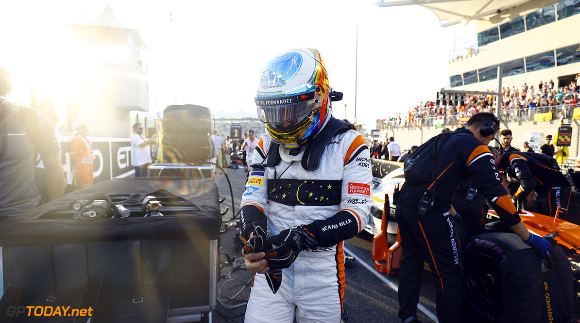 Yas Marina Circuit, Abu Dhabi, United Arab Emirates. Sunday 26 November 2017. Fernando Alonso, McLaren, on the grid. Photo: Steven Tee/McLaren ref: Digital Image _R3I4702  Steven Tee    f1 formula 1 formula one gp grand prix Portrait Helmets