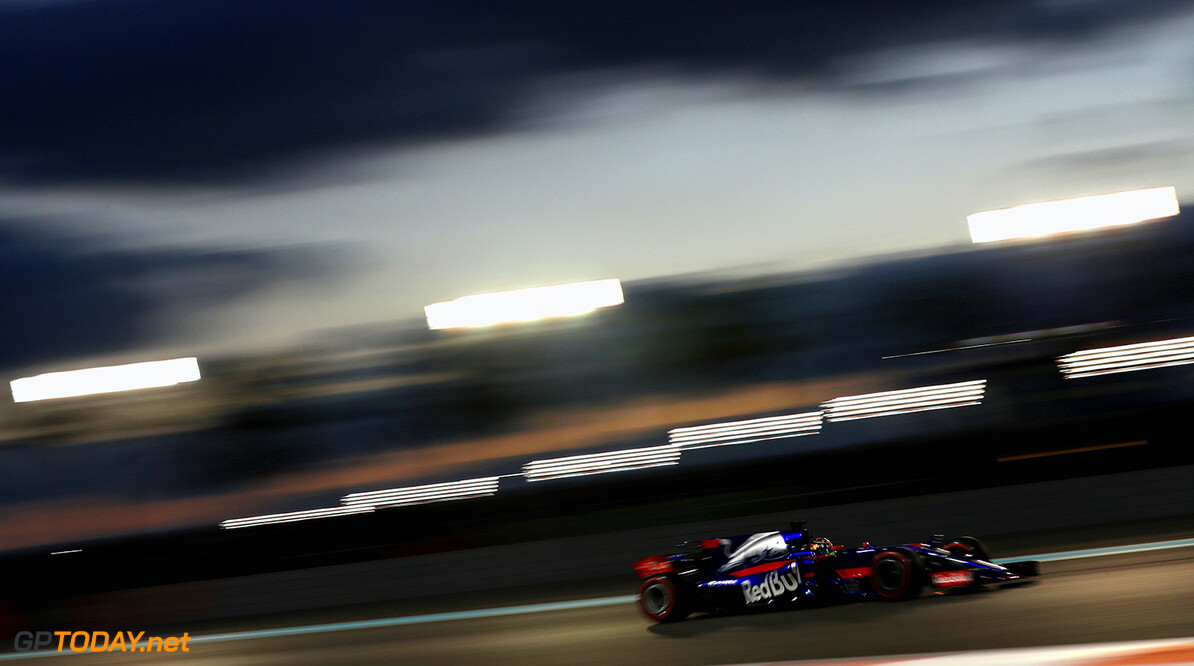 ABU DHABI, UNITED ARAB EMIRATES - NOVEMBER 26: Brendon Hartley of New Zealand driving the (28) Scuderia Toro Rosso STR12 on track during the Abu Dhabi Formula One Grand Prix at Yas Marina Circuit on November 26, 2017 in Abu Dhabi, United Arab Emirates.  (Photo by Mark Thompson/Getty Images) // Getty Images / Red Bull Content Pool  // P-20171126-00746 // Usage for editorial use only // Please go to www.redbullcontentpool.com for further information. //  F1 Grand Prix of Abu Dhabi Mark Thompson Abu Dhabi United Arab Emirates  P-20171126-00746