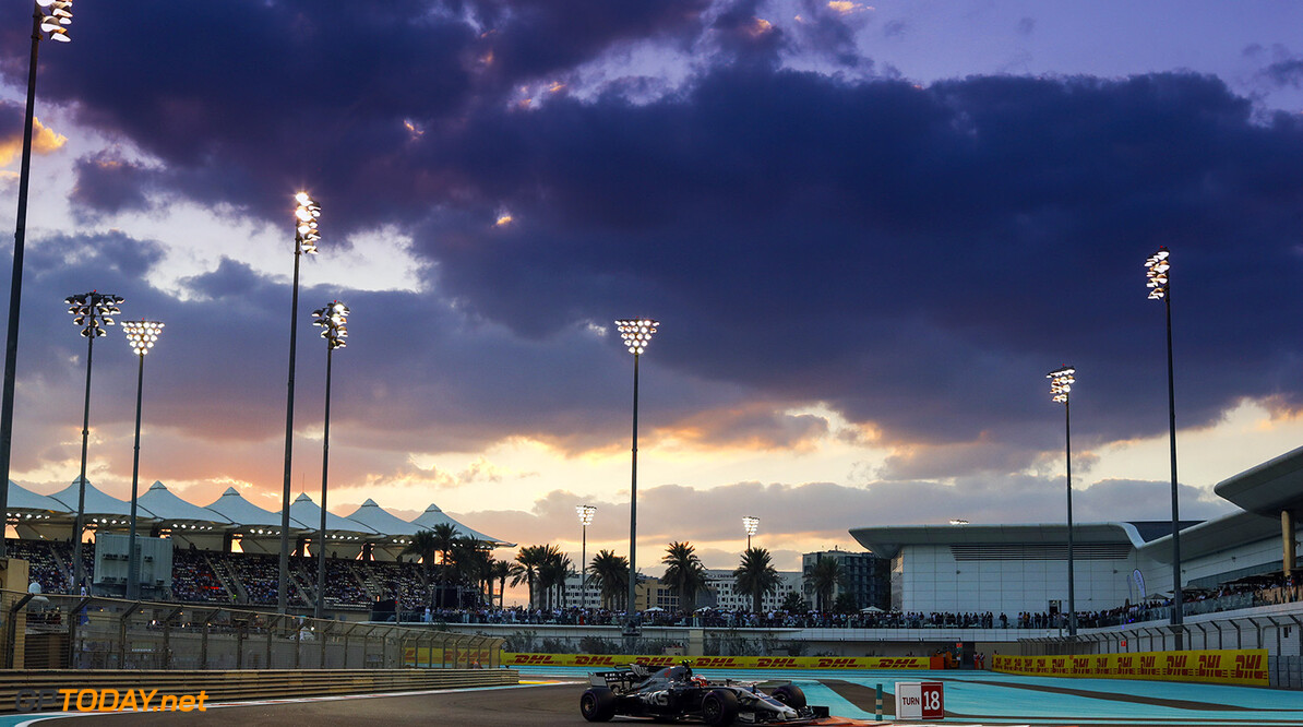 Yas Marina Circuit, Abu Dhabi, United Arab Emirates. Sunday 26 November 2017. World Copyright: Steven Tee/LAT Images  ref: Digital Image _O3I3021  Steven Tee    f1, formula 1, formula one, gp,  ts-live,,,,,,,