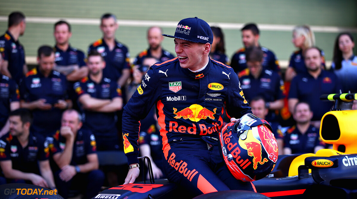 ABU DHABI, UNITED ARAB EMIRATES - NOVEMBER 26:  Max Verstappen of Netherlands and Red Bull Racing at the Red Bull Racing team photo before the Abu Dhabi Formula One Grand Prix at Yas Marina Circuit on November 26, 2017 in Abu Dhabi, United Arab Emirates.  (Photo by Clive Mason/Getty Images) // Getty Images / Red Bull Content Pool  // P-20171126-00895 // Usage for editorial use only // Please go to www.redbullcontentpool.com for further information. //  F1 Grand Prix of Abu Dhabi Clive Mason Abu Dhabi United Arab Emirates  P-20171126-00895