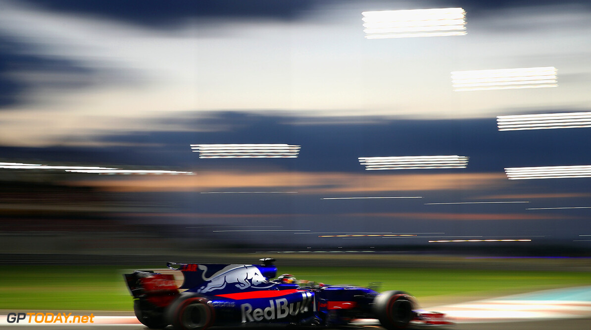 ABU DHABI, UNITED ARAB EMIRATES - NOVEMBER 26: Brendon Hartley of New Zealand driving the (28) Scuderia Toro Rosso STR12 on track during the Abu Dhabi Formula One Grand Prix at Yas Marina Circuit on November 26, 2017 in Abu Dhabi, United Arab Emirates.  (Photo by Clive Mason/Getty Images) // Getty Images / Red Bull Content Pool  // P-20171126-00850 // Usage for editorial use only // Please go to www.redbullcontentpool.com for further information. //  F1 Grand Prix of Abu Dhabi Clive Mason Abu Dhabi United Arab Emirates  P-20171126-00850