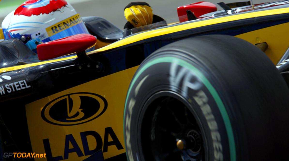 Bahar hint naar stoeltje voor Petrov bij Lotus Renault GP