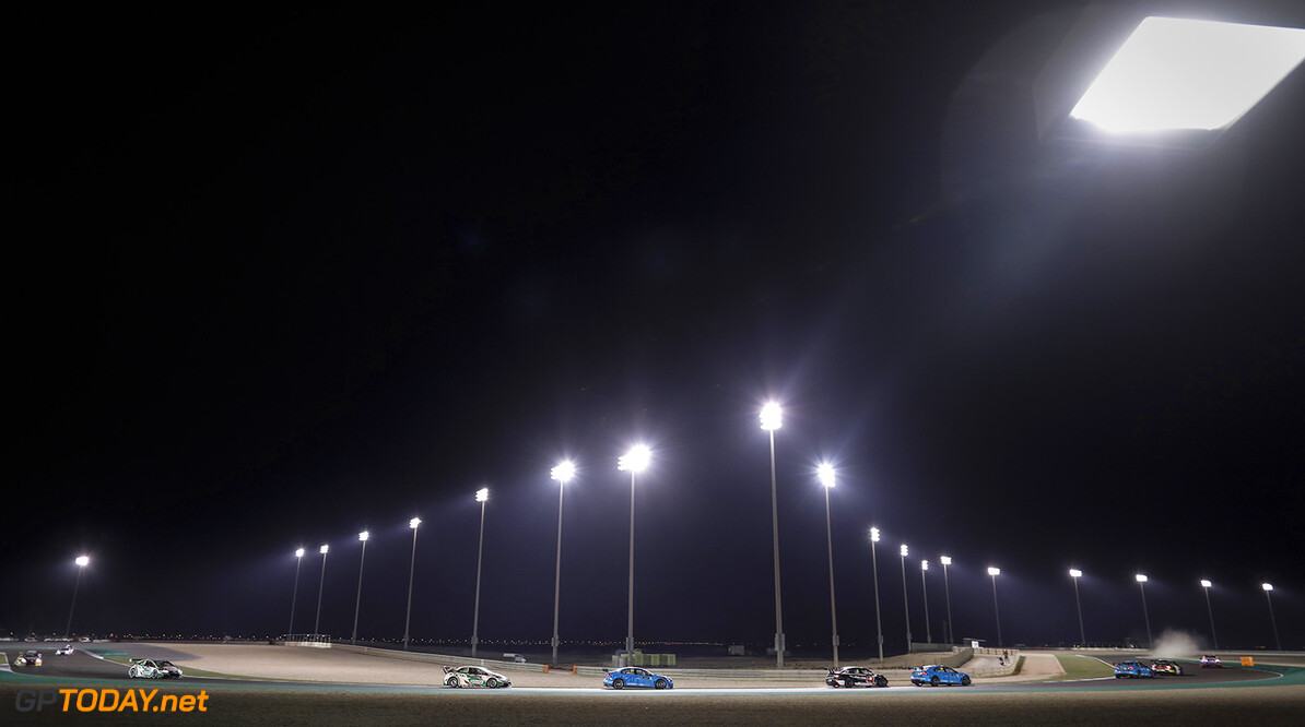 ambiance night during the 2017 FIA WTCC World Touring Car Championship race at Losail  from November 29 to december 01, Qatar - Photo Francois Flamand / DPPI AUTO - WTCC LOSAIL 2017 Francois Flamand Losail Qatar  Auto Championnat Du Monde Losail International Circuit Circuit Course Fia Motorsport November Novembre Quatar Tourisme Wtcc