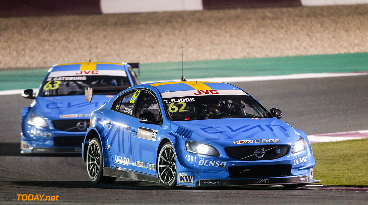 62 BJORK Thed, (swe), Volvo S60 Polestar team Polestar Cyan Racing, action during the 2017 FIA WTCC World Touring Car Championship race at Losail  from November 29 to december 01, Qatar - Photo Francois Flamand / DPPI AUTO - WTCC LOSAIL 2017 Francois Flamand Losail Qatar  Auto Championnat Du Monde Losail International Circuit Circuit Course Fia Motorsport November Novembre Quatar Tourisme Wtcc