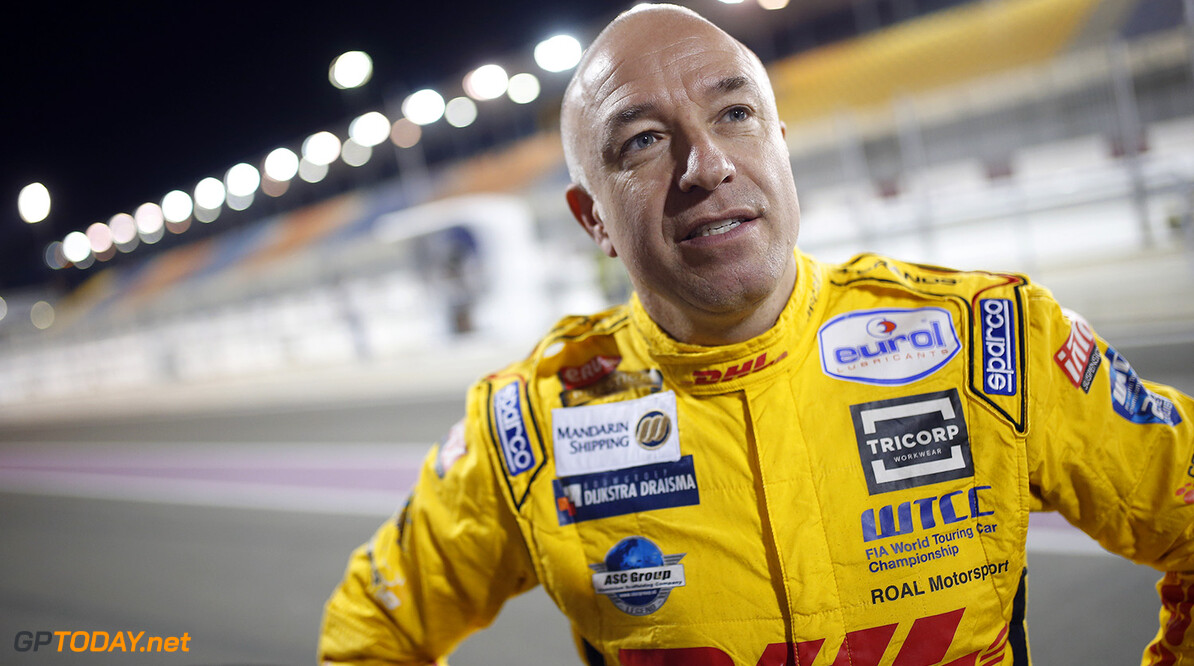 CORONEL Tom, (ned), Chevrolet RML Cruze team ROAL Motorsport, ambiance portrait during the 2017 FIA WTCC World Touring Car Championship race at Losail  from November 29 to december 01, Qatar - Photo Jean Michel Le Meur / DPPI AUTO - WTCC LOSAIL 2017 Jean Michel Le Meur Losail Qatar  Auto Championnat Du Monde Losail International Circuit Circuit Course Fia Motorsport November Novembre Quatar Tourisme Wtcc