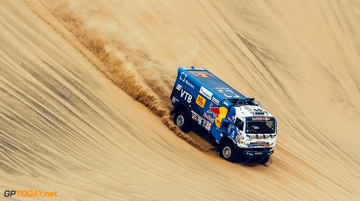 Anton Shibalov, Dmitrii Nikitin and Ivan Romanov in the Kamaz of the the KAMAZ Master Team navigating through the dunes during stage 1 of the Dakar Rally, between Lima and Pisco, Peru, on January 6, 2018. // Eric Vargiolu / DPPI / Red Bull Content Pool // P-20180107-00163 // Usage for editorial use only // Please go to www.redbullcontentpool.com for further information. //  Anton Shibalov     P-20180107-00163