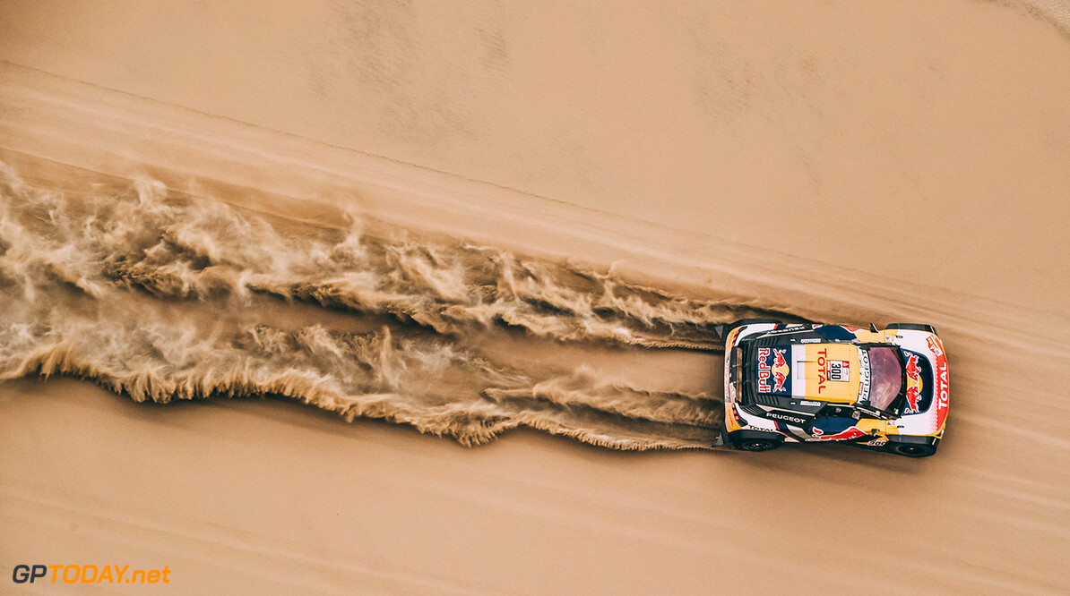 Stephane Peterhansel and Jean-Paul Cottret in the Peugeot 3008 DKR Maxi of the Team Peugeot Total navigating through the dunes during stage 2 of the Dakar Rally, between Pisco and Pisco, Peru, on January 7, 2018. // Eric Vargiolu / DPPI / Red Bull Content Pool // P-20180108-00088 // Usage for editorial use only // Please go to www.redbullcontentpool.com for further information. //  Stephane Peterhansel     P-20180108-00088