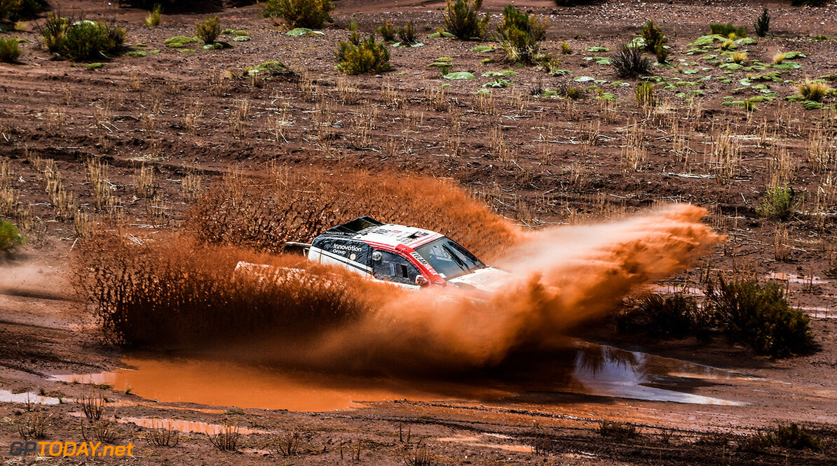 Giniel de Villiers and Dirk von Zitzewitz in the Toyota Hilux of the Toyota Gazoo Racing crossing the river during stage 7 of the Dakar Rally, between La Paz and Uyuni, Bolivia, on January 13, 2018. // Eric Vargiolu / DPPI / Red Bull Content Pool // P-20180114-00045 // Usage for editorial use only // Please go to www.redbullcontentpool.com for further information. //  Giniel de Villiers     P-20180114-00045