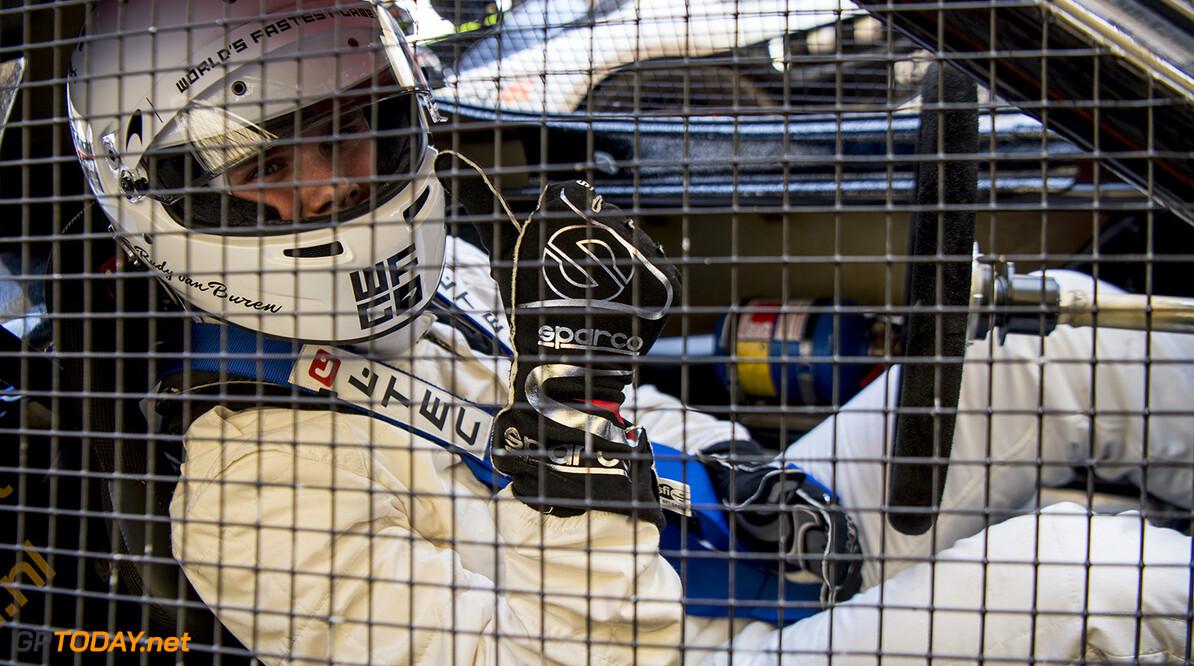 University Racing Eindhoven rijdt eerste meters met autonome racewagen
