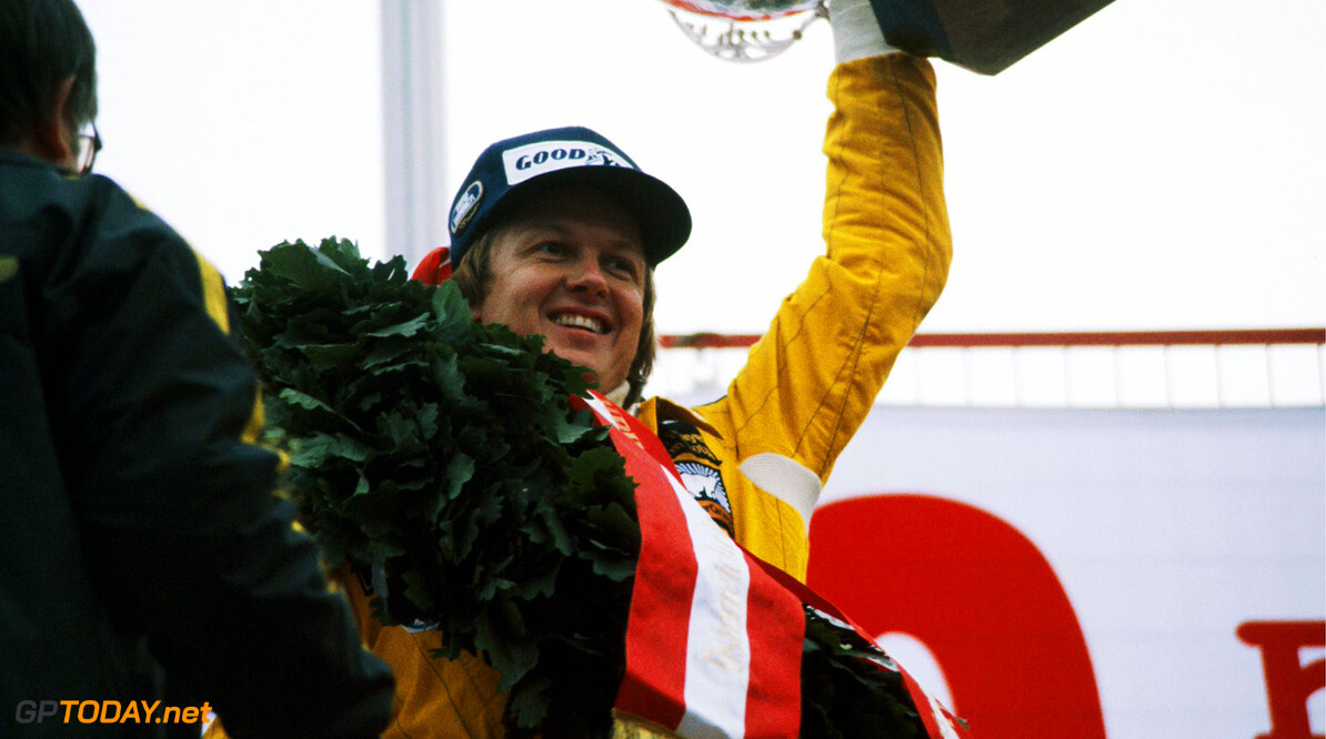 Vandalen nemen graf van Ronnie Peterson te grazen