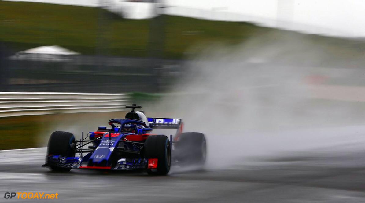 Eerste officiële foto van Toro Rosso STR13 in actie