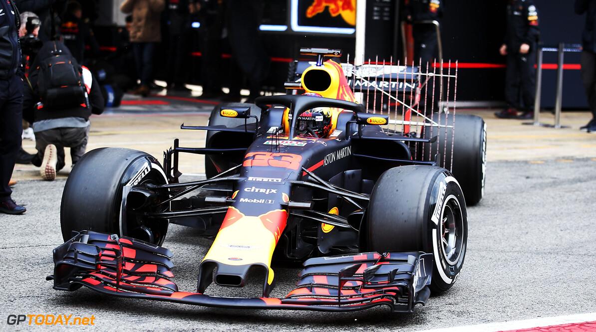 Lek in brandstofsysteem houdt Verstappen in de pits