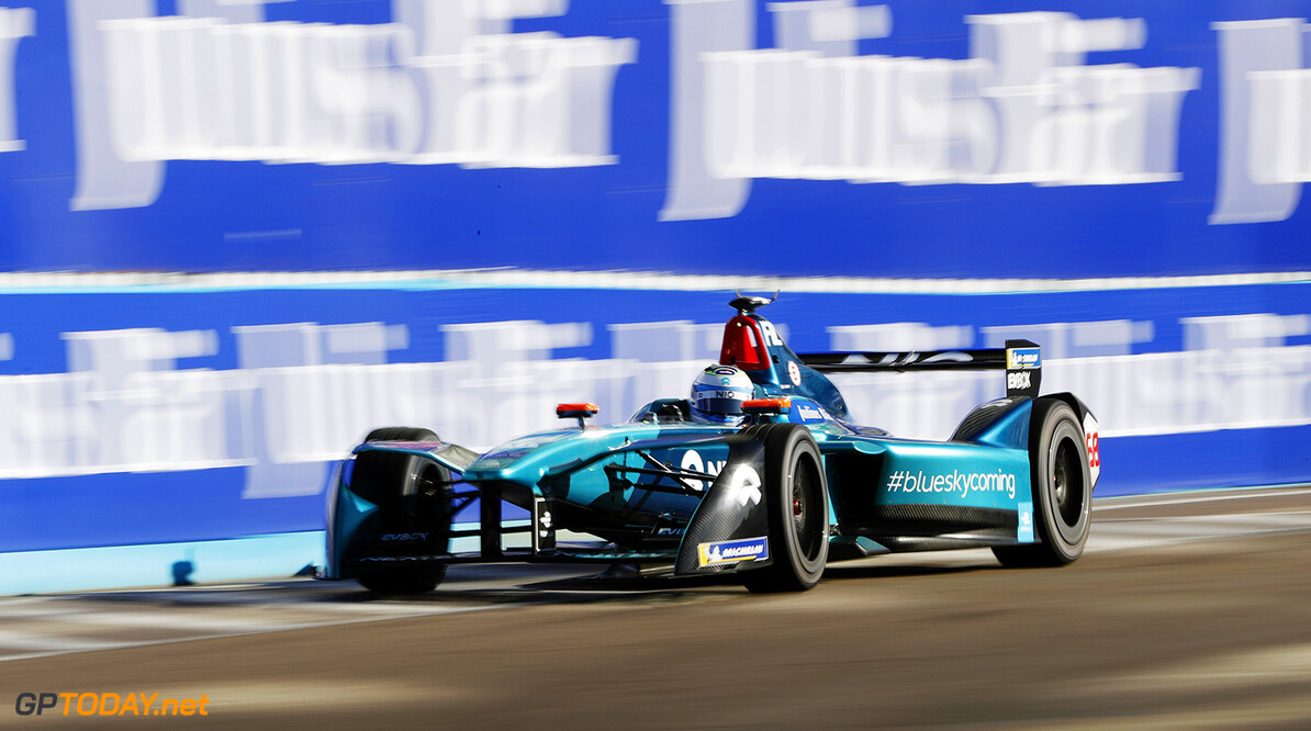 Luca Filippi (ITA), NIO Formula E Team, NextEV NIO Sport 003.   Zak Mauger    action