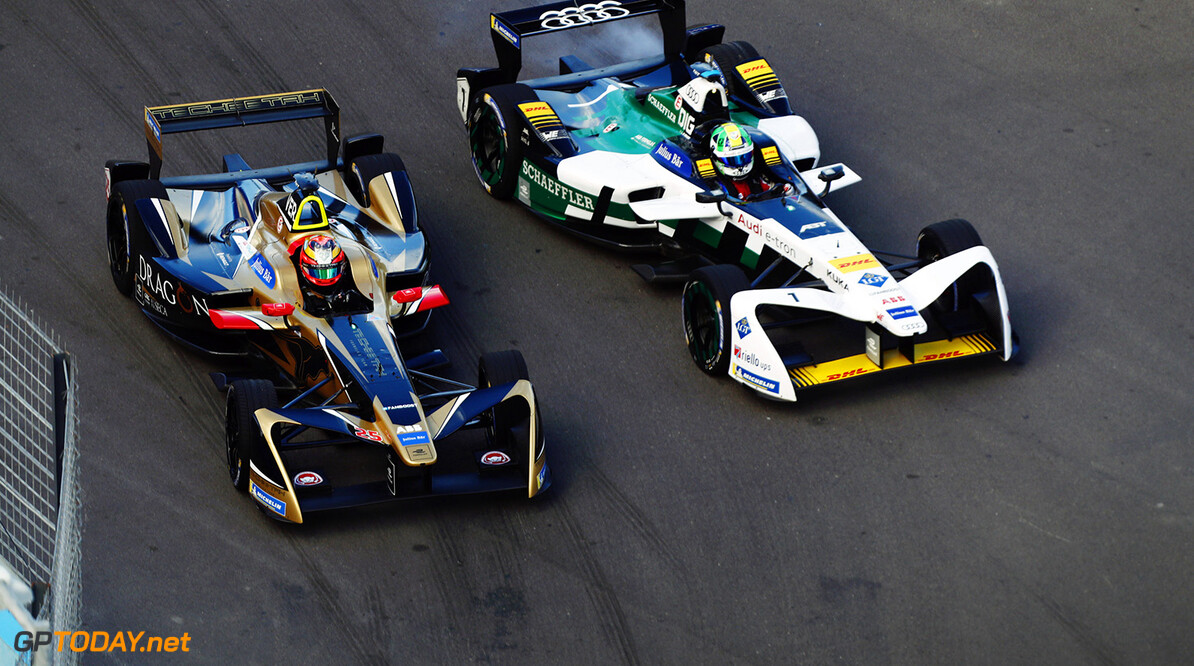 Jean-Eric Vergne (FRA), TECHEETAH, Renault Z.E. 17, battles with Lucas Di Grassi (BRA), Audi Sport ABT Schaeffler, Audi e-tron FE04.  Sam Bloxham    action