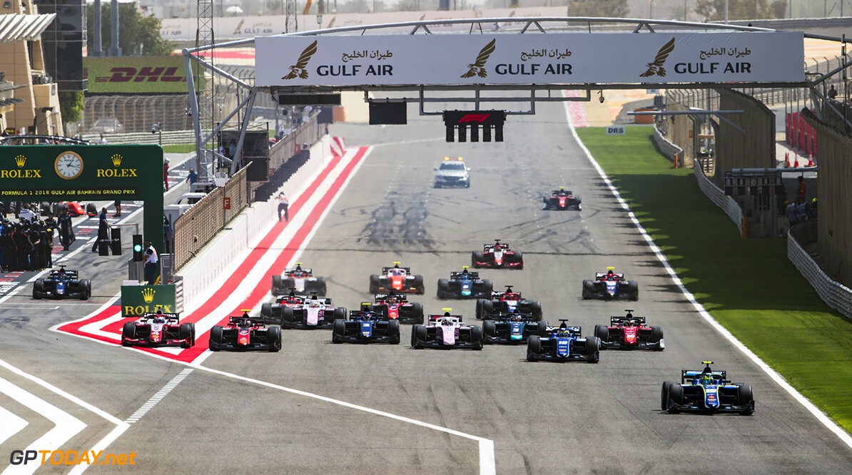 FIA Formula 2 Series - Round 1 Bahrain International Circuit, Sakhir, Bahrain Saturday 7 April 2018. Lando Norris (GBR, Carlin), leads Sergio Sette Camara (BRA, Carlin) and the rest of the field at the start of the race. World Copyright: Zak Mauger/LAT Images ref: Digital Image   Zak Mauger    f2 race one 1 feature start action