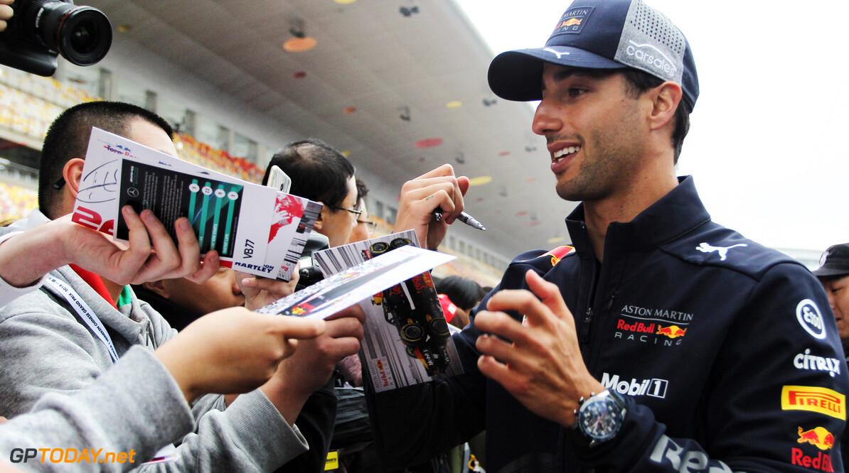 Ricciardo pakt ingecalculeerde gridstraf in Italië