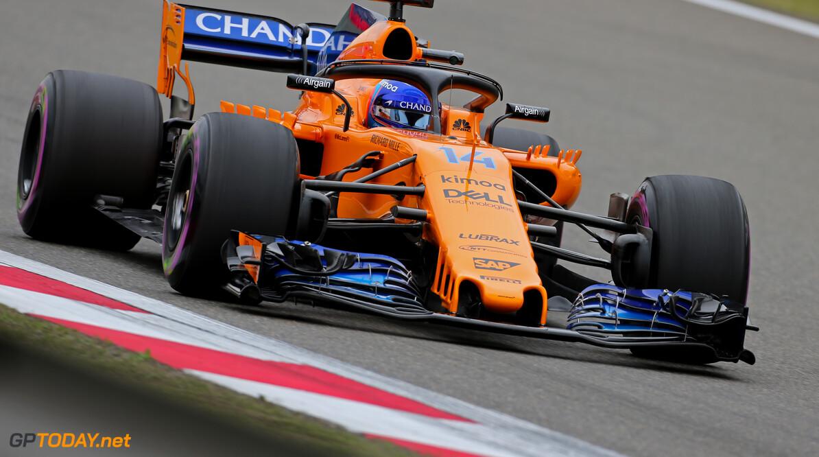 Alonso valt uit in 'saaiste Formule 1-race ooit'