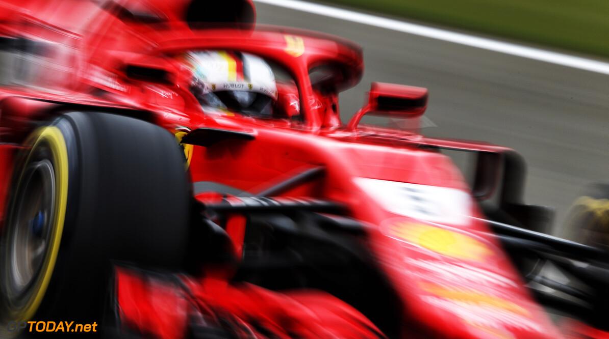 Sebastian Vettel pakt pole, Max Verstappen knap derde