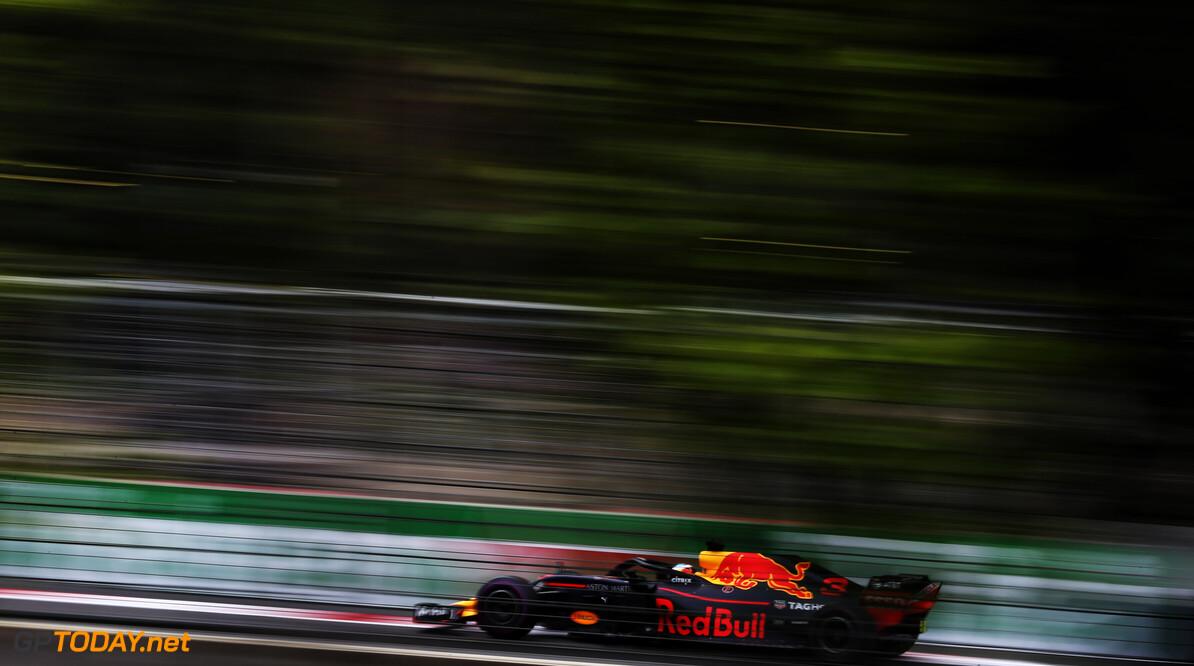 Crisis bij Red Bull na crash Verstappen en Ricciardo