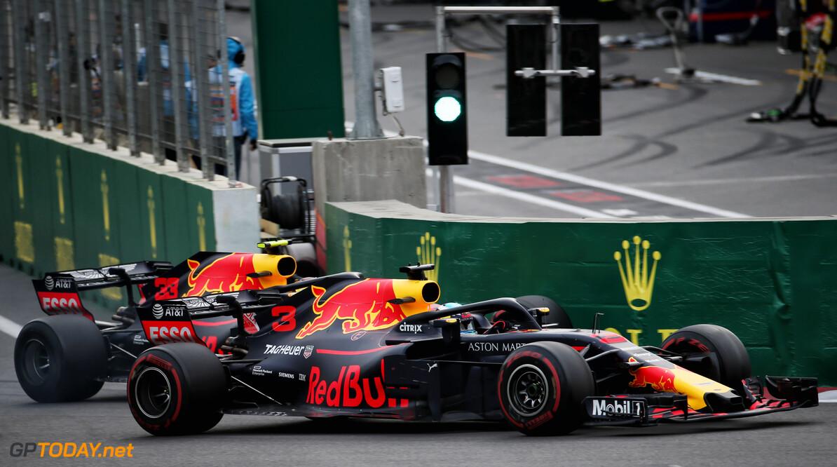 """Max Verstappen: """"De relatie met Daniel Ricciardo is nog gewoon goed"""""""