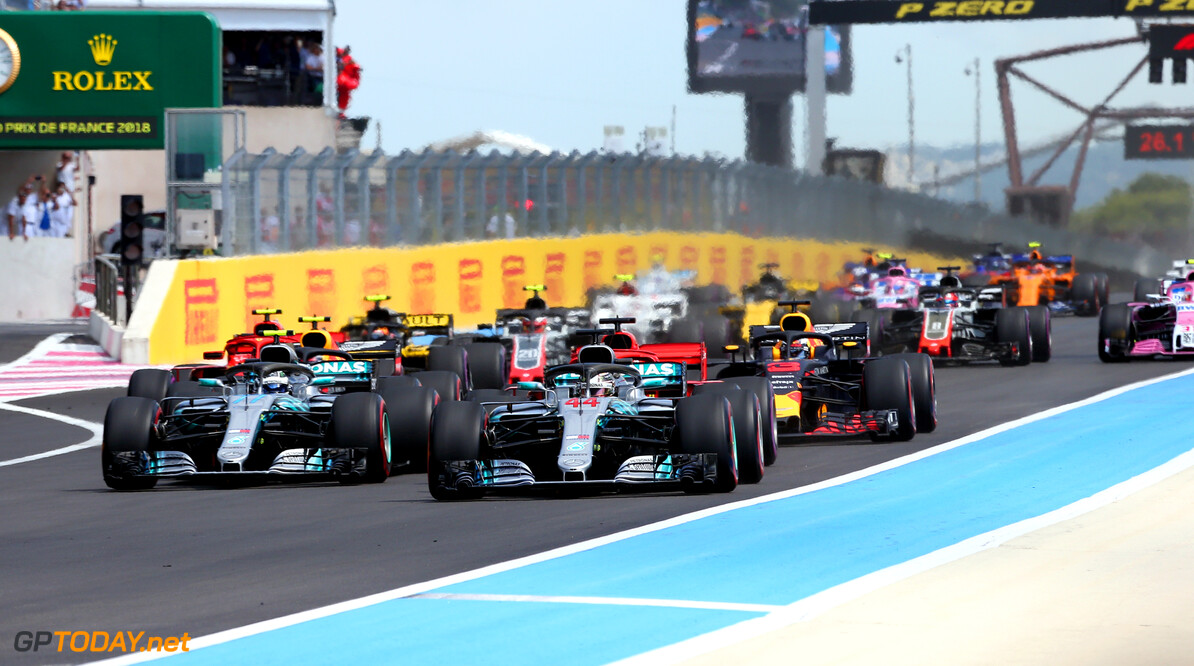 Formula One World Championship Lewis Hamilton (GBR) Mercedes AMG F1 W09 leads the start of the race. 24.06.2018. Formula 1 World Championship, Rd 8, French Grand Prix, Paul Ricard, France, Race Day. - www.xpbimages.com, EMail: requests@xpbimages.com - copy of publication required for printed pictures. Every used picture is fee-liable. (C) Copyright: Photo4 / XPB Images Motor Racing - Formula One World Championship - French Grand Prix - Race Day - Paul Ricard, France xpb.cc Le Castellet France  Formel1 Formel F1 Formula 1 Formula1 GP Grand Prix one Sunday June 24 06 6 2018 France French Circuit Paul Ricard Le Castellet Race Action Track