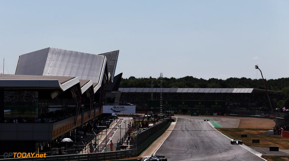 Silverstone schrapt derde DRS-zone door bochten 1 en 2