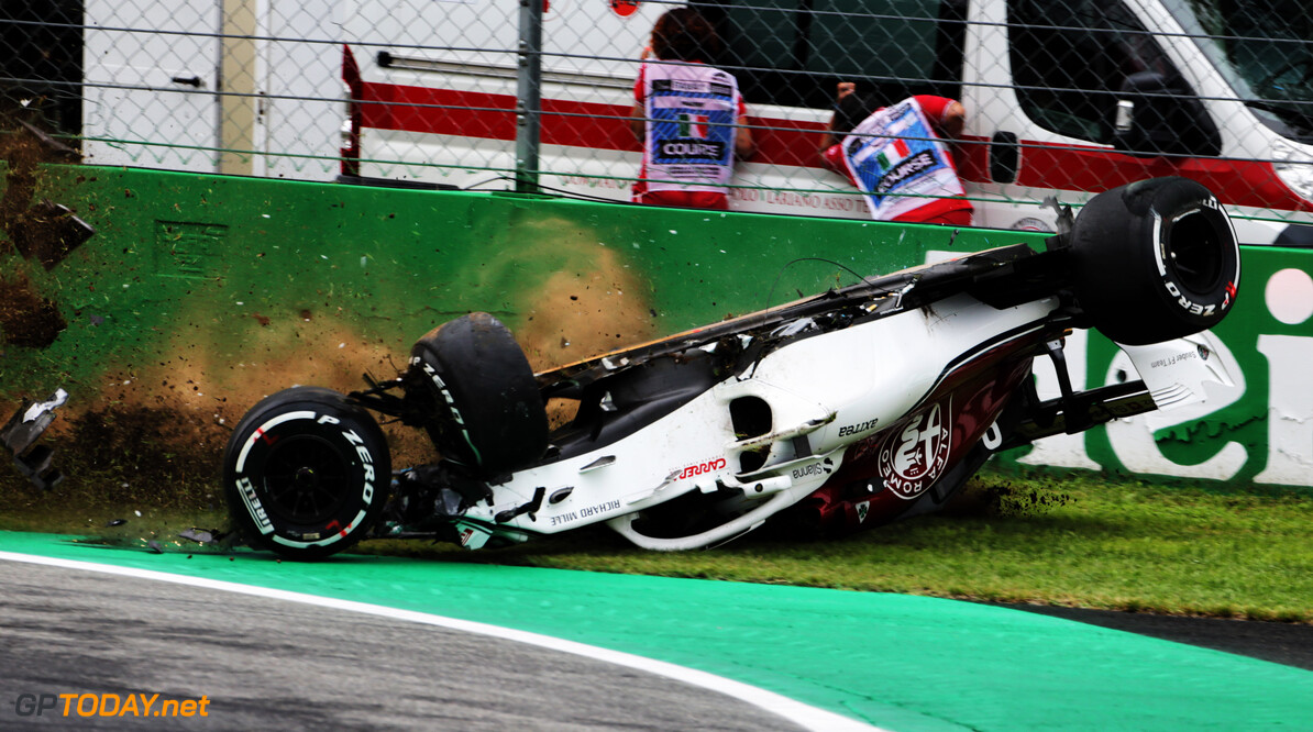 Ericsson cleared to race after FP2 crash
