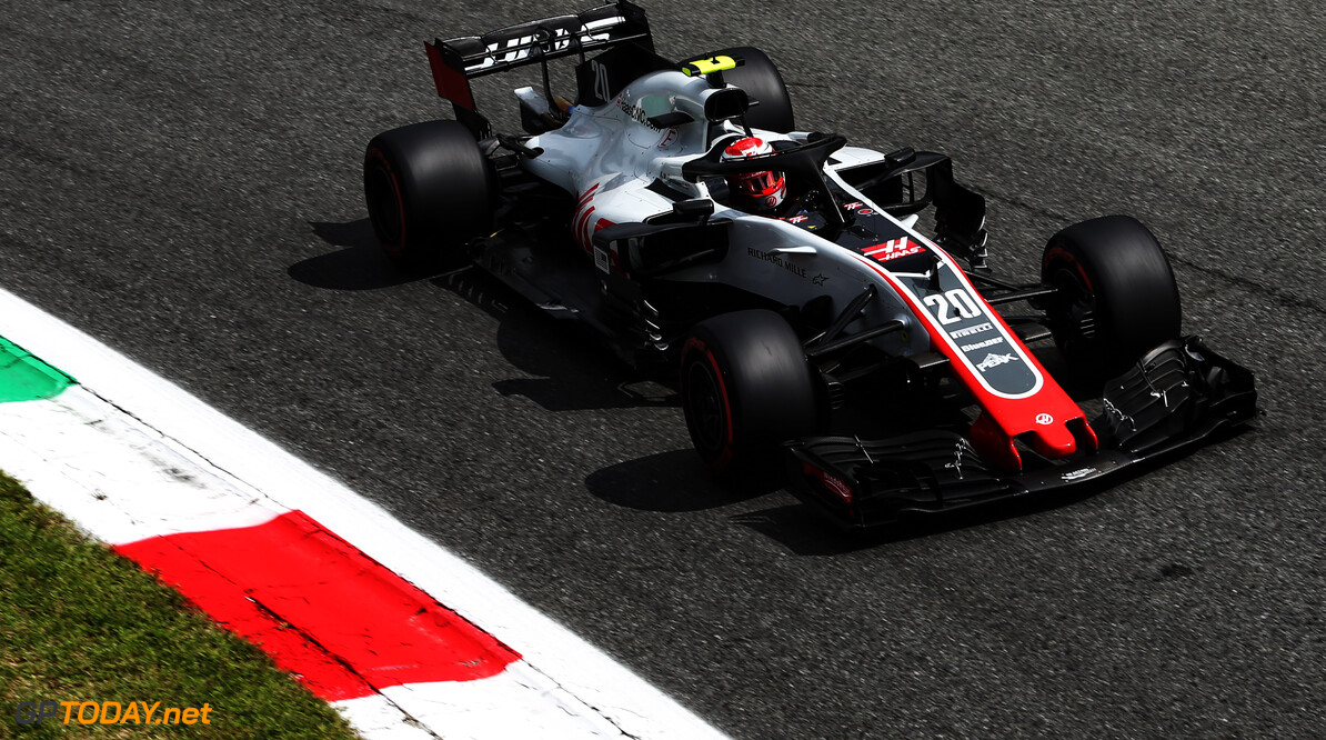 "Magnussen hails Haas' ""amazing"" progress"