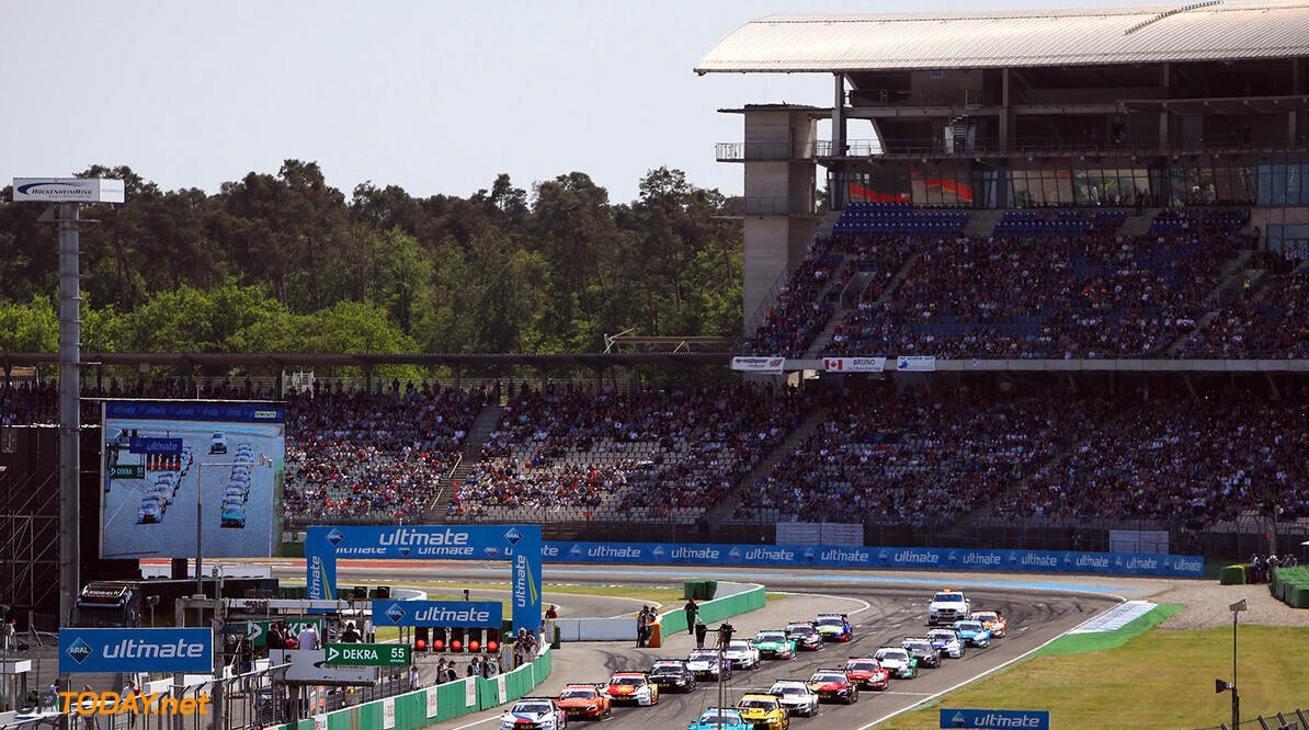 Motorsports: DTM race Hockenheimring, Saison 2018 - 1. Event Hockenheimring, GER Motorsports: DTM race Hockenheimring Gruppe C / Hoch Zwei    Start VersandPartnerDTM VersandPartnerStandard