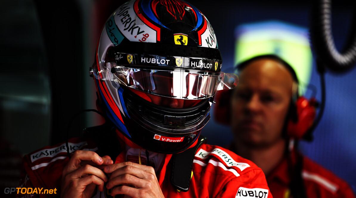 """Raikkonen tast in de duister: """"Mercedes reed nog niet eens op de limiet"""""""