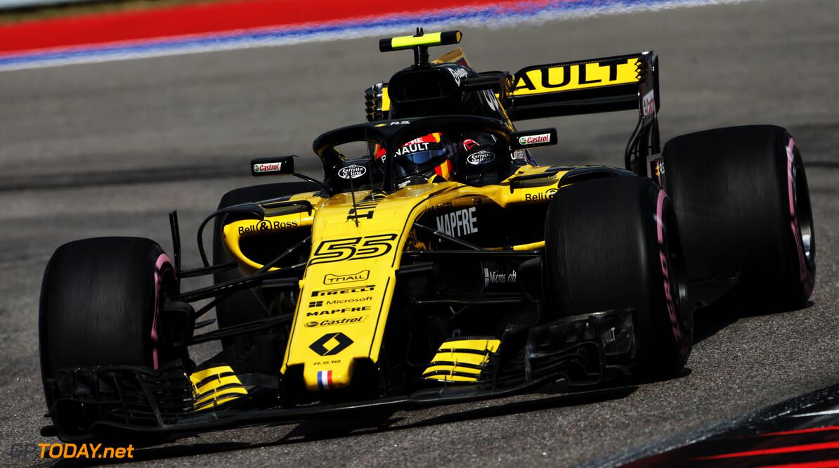 Sainz's race compromised by lap 1 damage