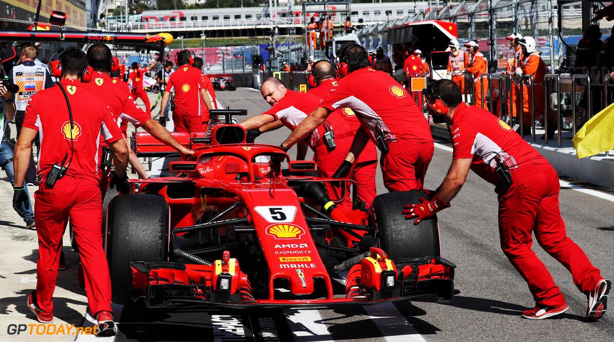"""Ecclestone: """"Bij Ferrari werken teveel Italianen"""""""