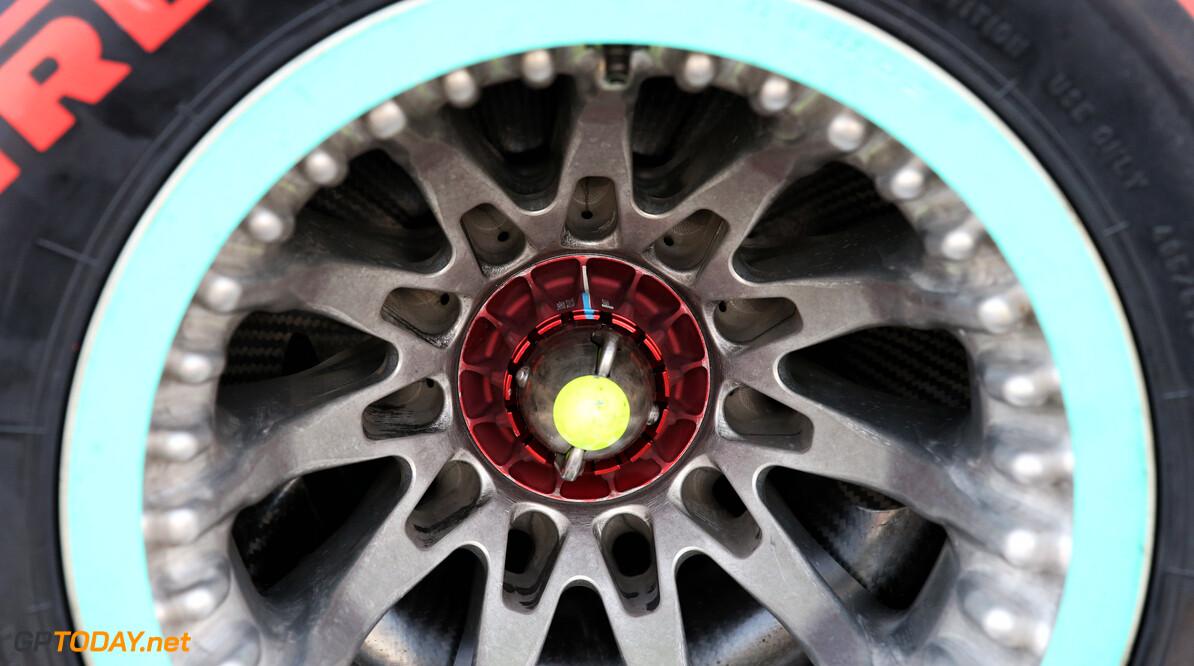 Ferrari blijft dreigen met protest over nieuwe velgen Mercedes